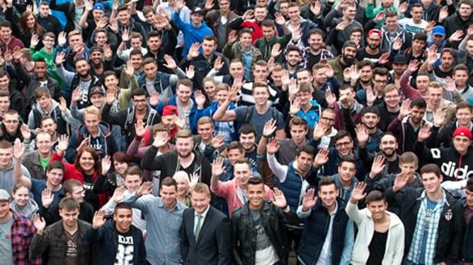 Gruppe von jungen Menschen