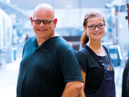 Julia and Mario Möbes, trainee as machining mechanic and lathe operator
