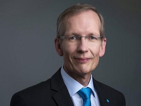 Karsten Kroos博士