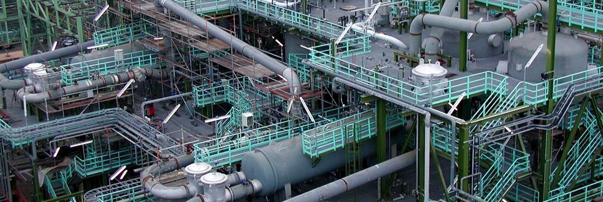 Efficient, low-emission sulfuric acid plants