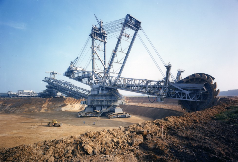 Bagger 288 in action