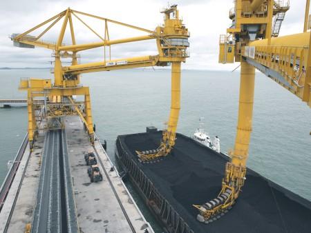 Hafenumschlaganlagen
