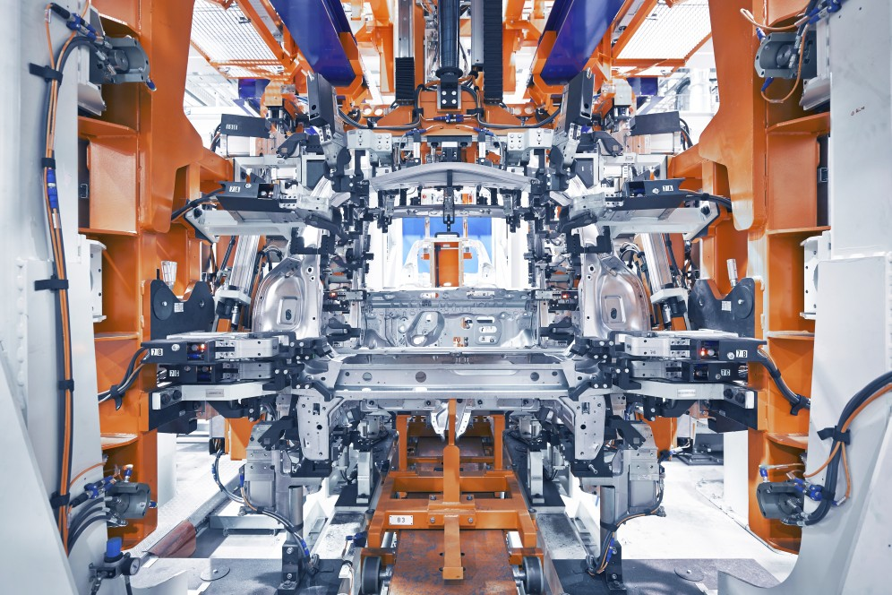 thyssenkrupp body production lines for smart fortwo in Hambach, Daimler