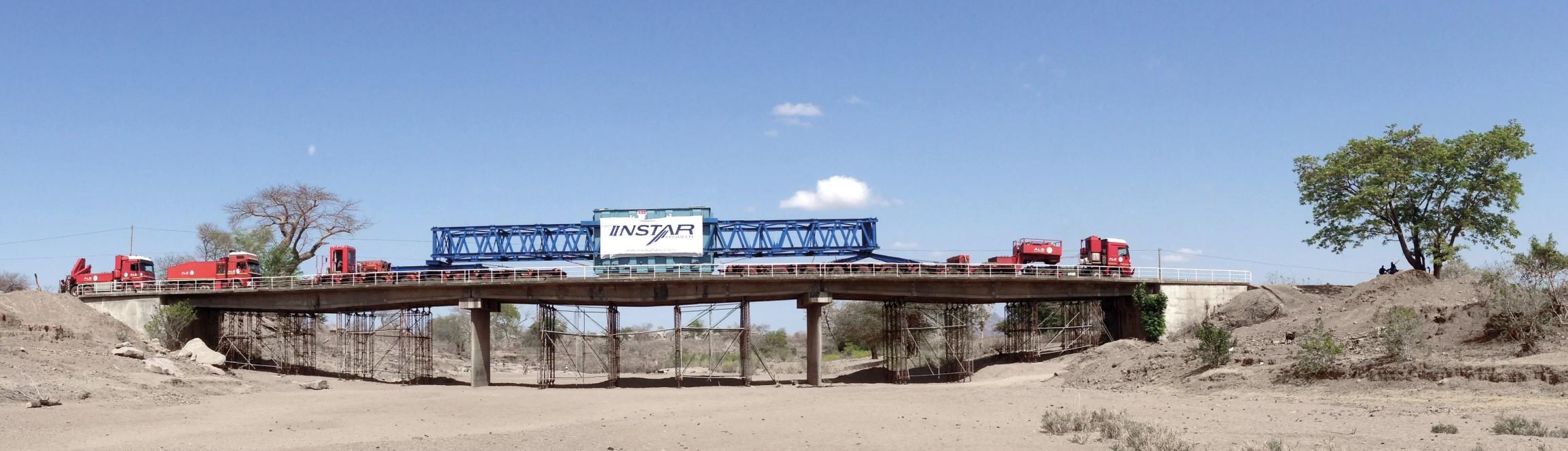 Transport de transformateurs au Mozambique
