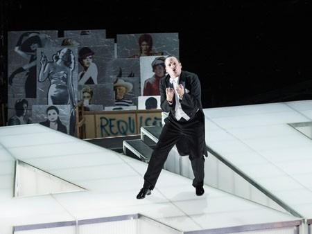 Puccinis Oper TOSCA mit PLEXIGLAS®
