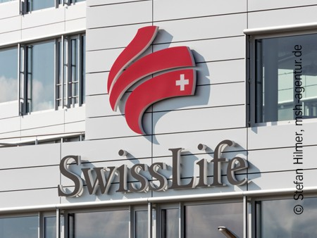 neues Aushängeschild der Swiss Life aus Alucobond®