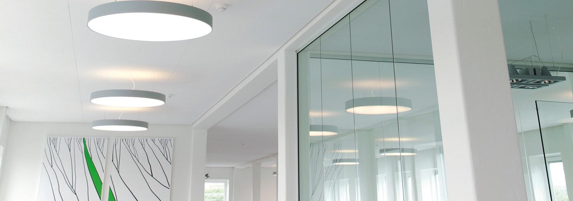 PLEXIGLAS® LED - Für Hinterleuchtung, LED-Leuchten optimiert, coextrudiert