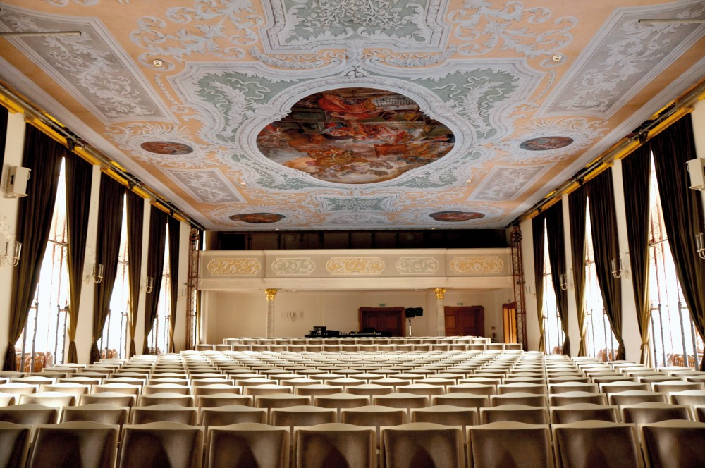 Renovation of the ceiling of the Asamsaal theatre in Freising, Bavaria