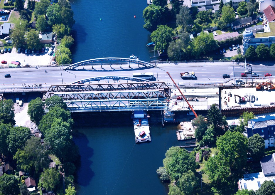 Construction of the new Freybrücke in Berlin Spandau