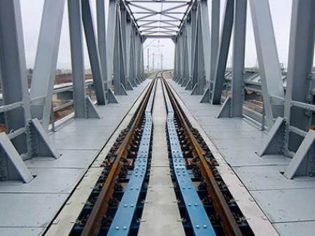 Stahlschwellen und Befestigungssysteme