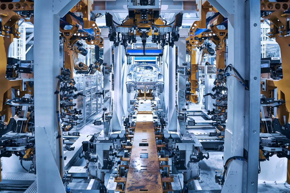 thyssenkrupp assembles the rear axis dreive module for the smart in Hambach, France.