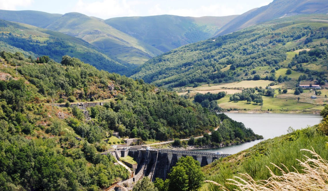Chandreja Reservoir in Spain