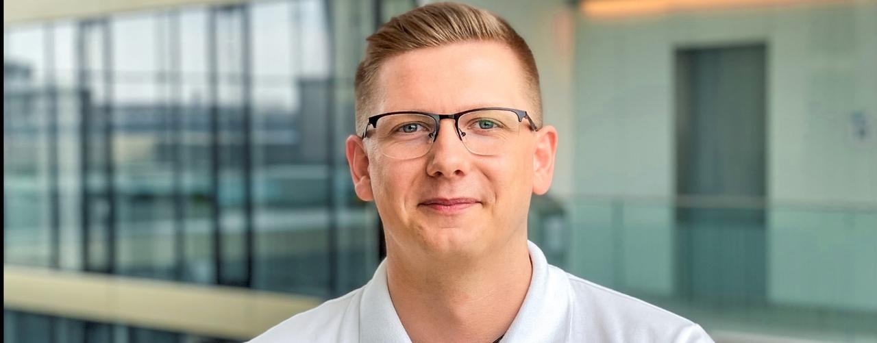 Jan Rohde, Dualer Student, erklärt die Vorteile des dualen Studiums bei thyssenkrupp