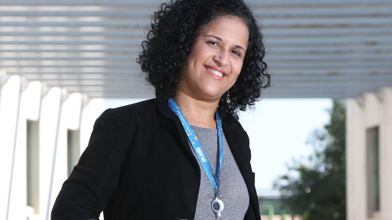 Lilian da Costa Alves - Human Resources Analyst