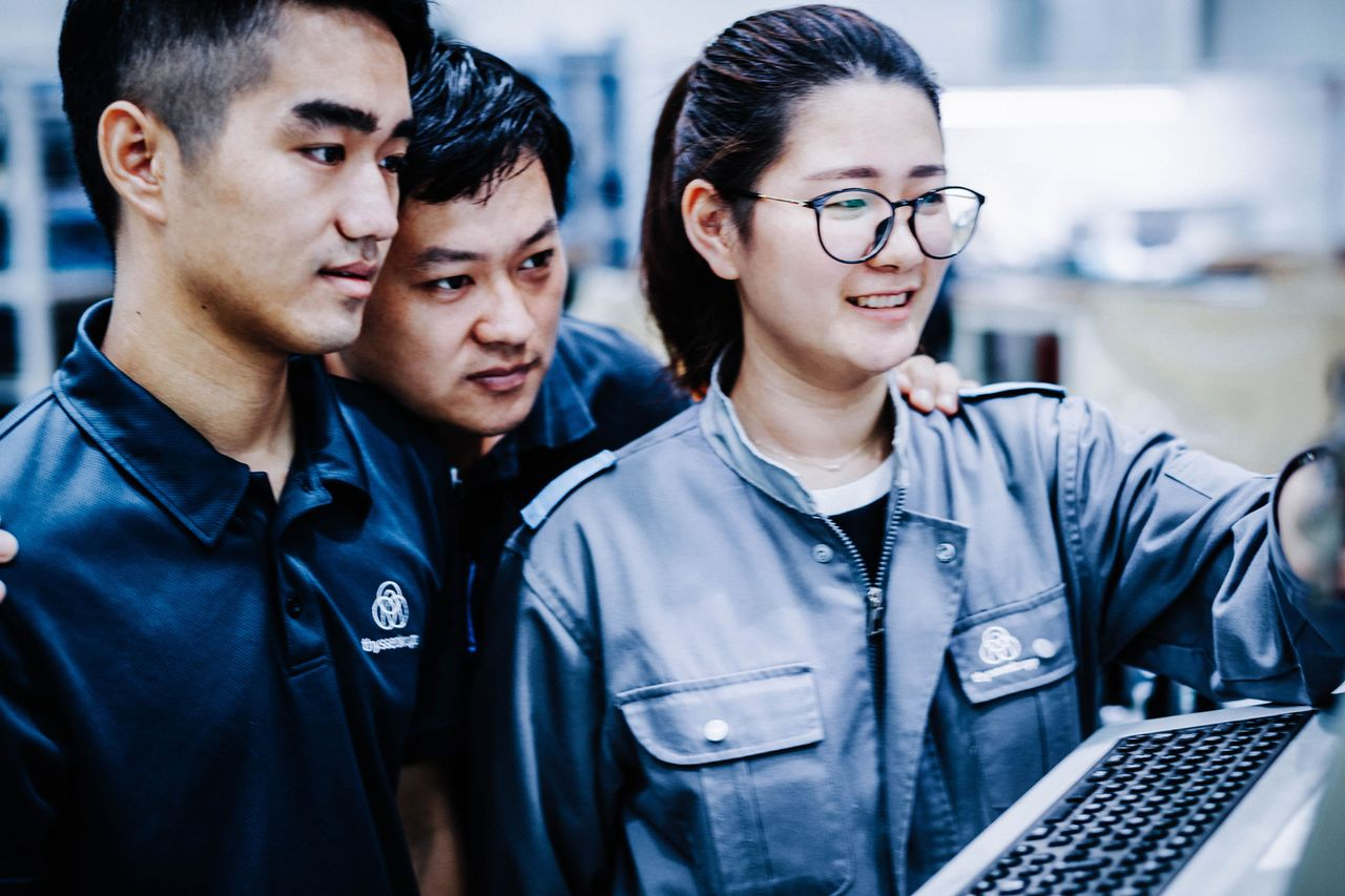 Direct entry opportunities for graduates at thyssenkrupp