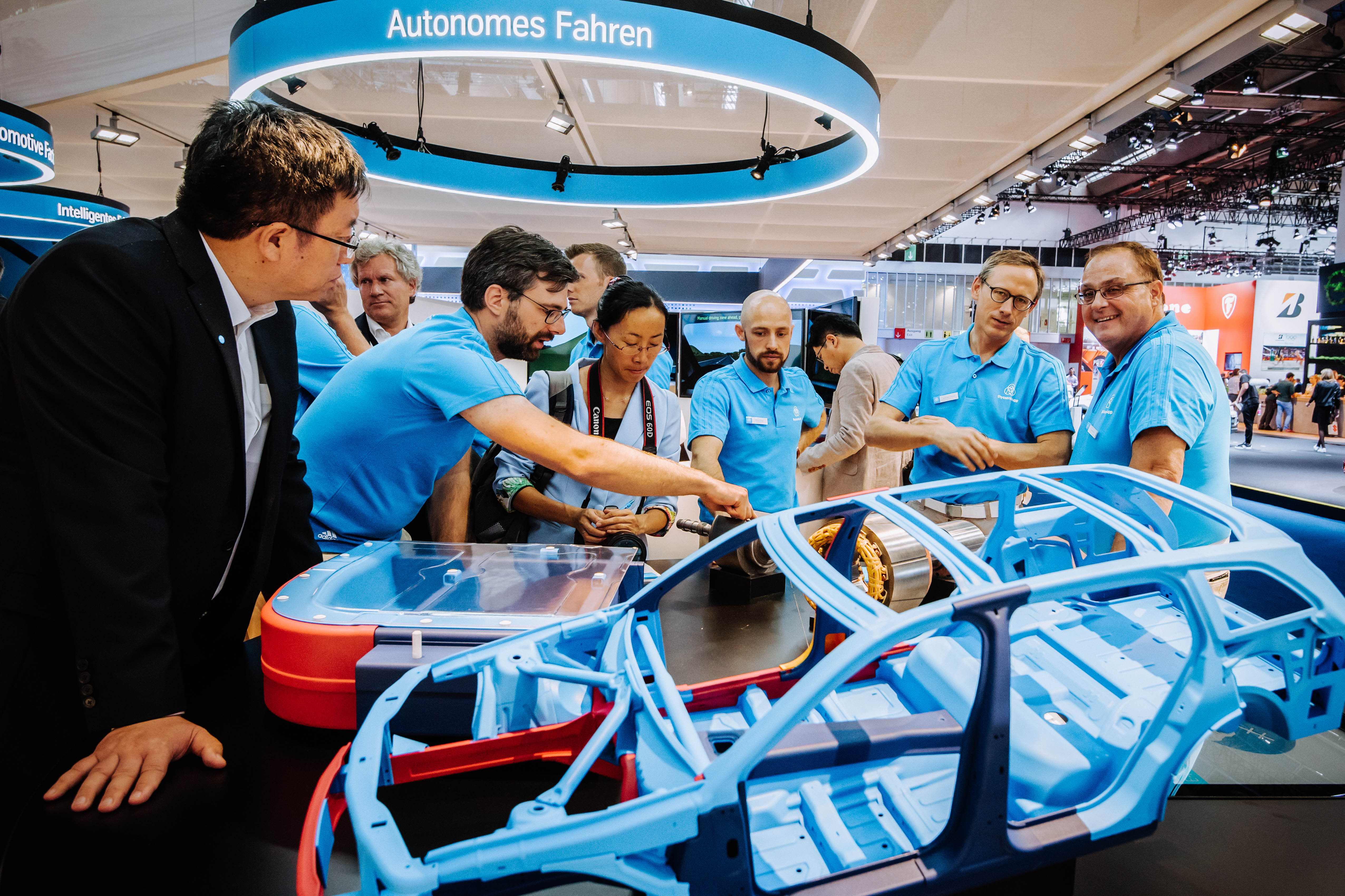 The German automobile industry association VDA showcases specialists and experts.