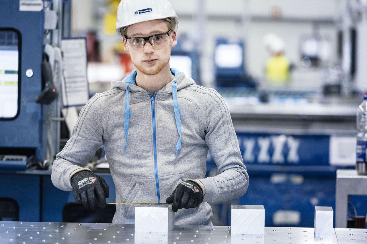 thyssenkrupp offers school students numerous apprenticeships.