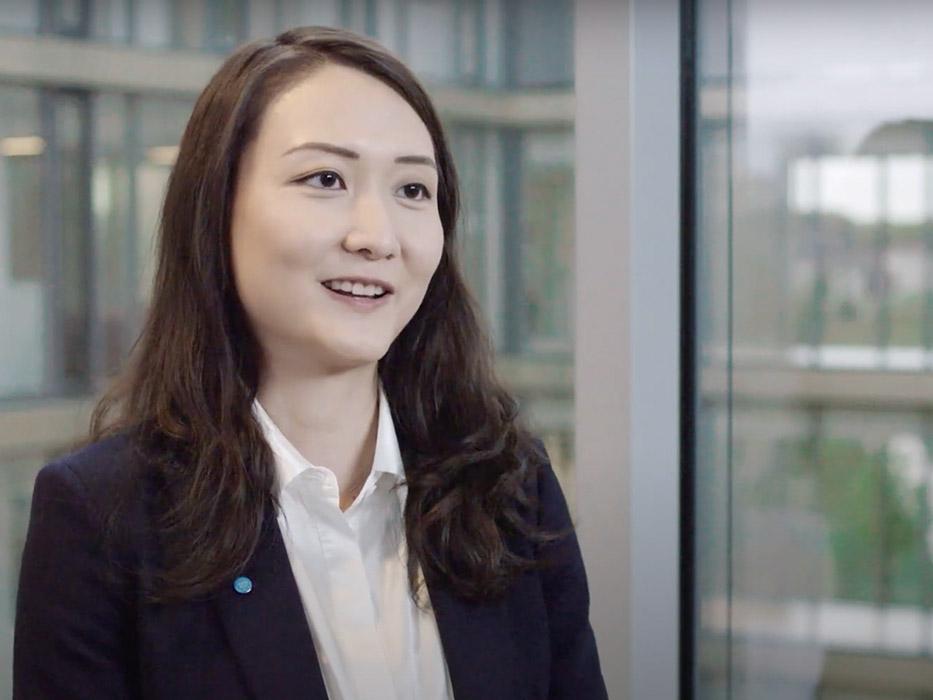 Dr. Sophie Wei bringt durch Datenanalyse Informationen und Zusammenhänge ans Licht, die dabei helfen ganze Wertschöpfungsketten und Produktionsketten zu verbessern.