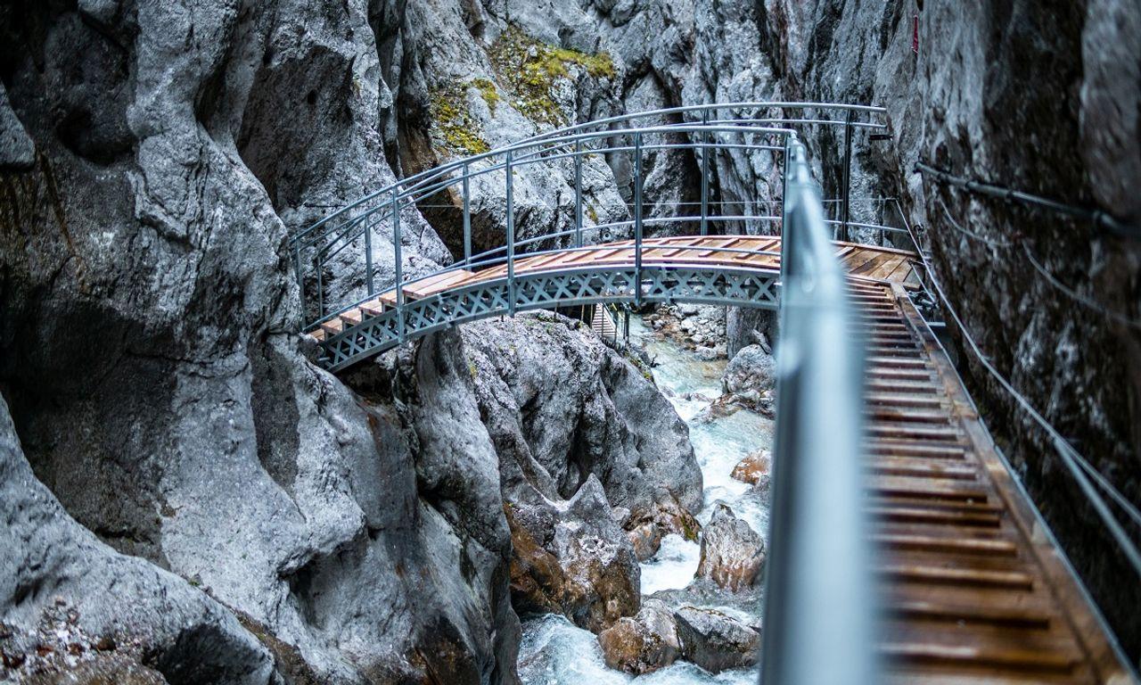 Höllentalklamm, Klamm, Zugspitze, Zugspitzemassiv, Bogenbrücke, Grainau, Wandern, Bergsteigen, Schlucht