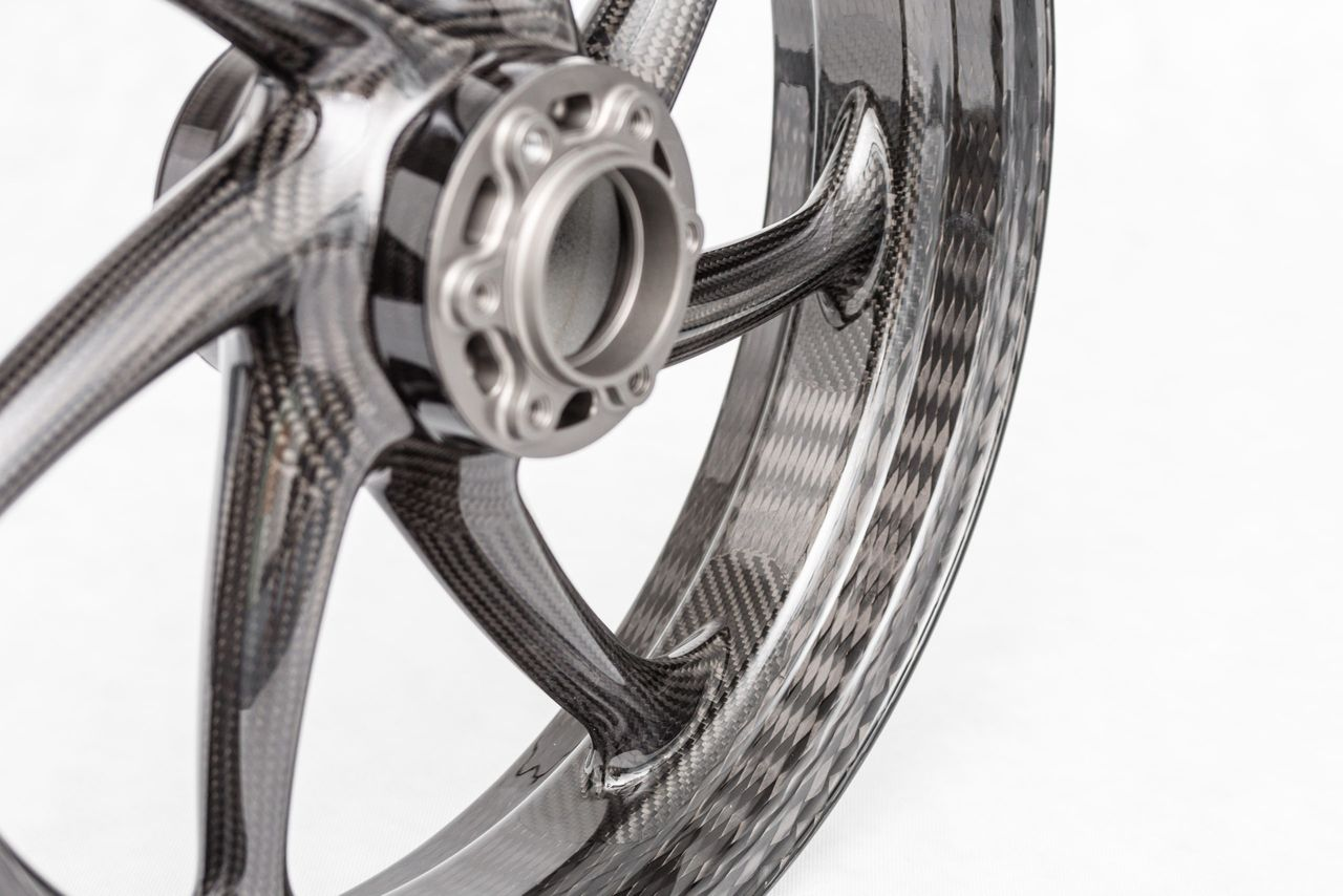 Braided carbon wheels for motorcycles