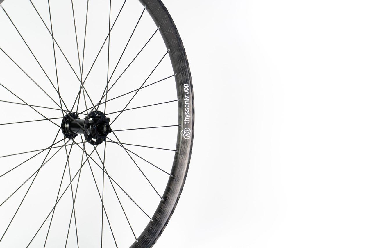Braided carbon wheels for bikes