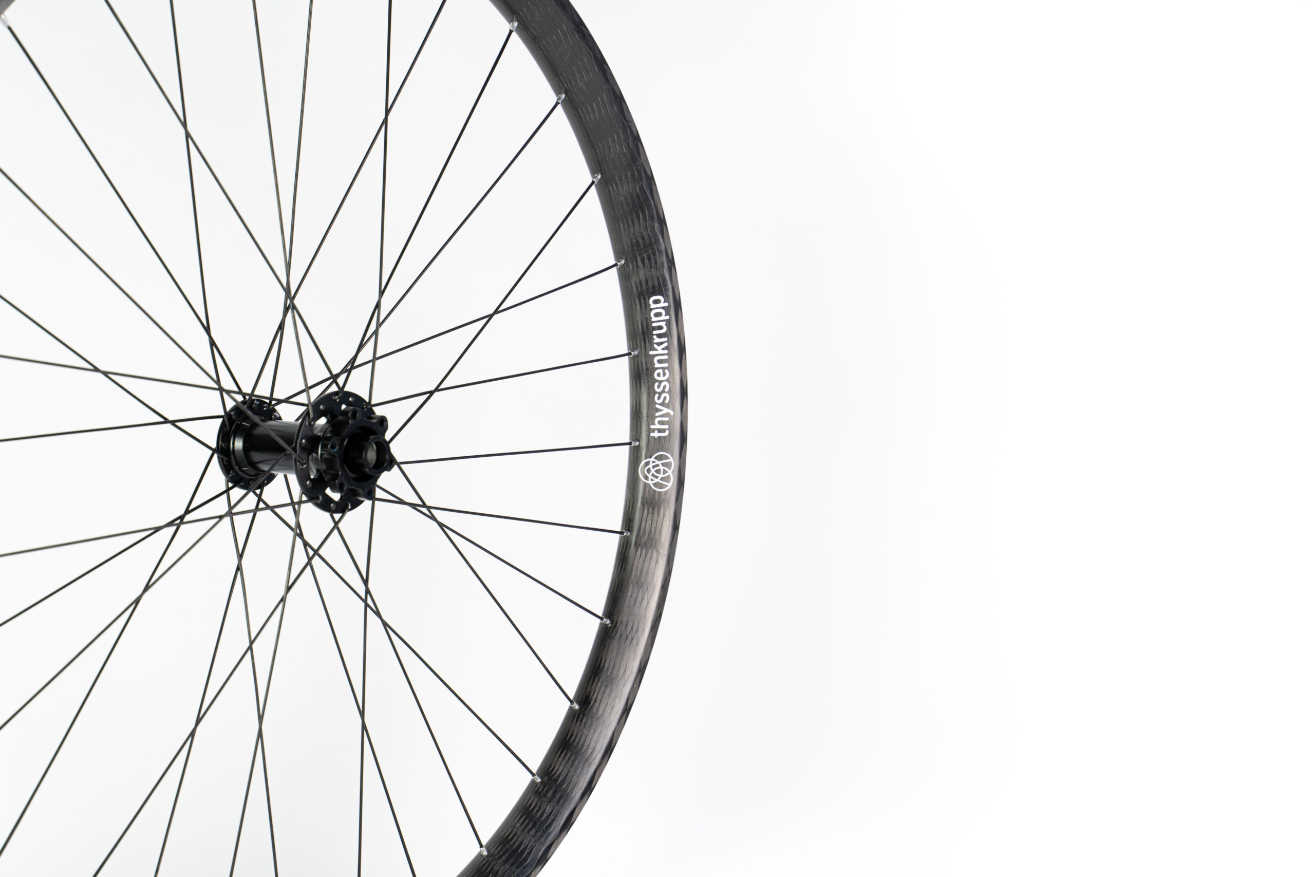 Braided carbon wheels for bikes