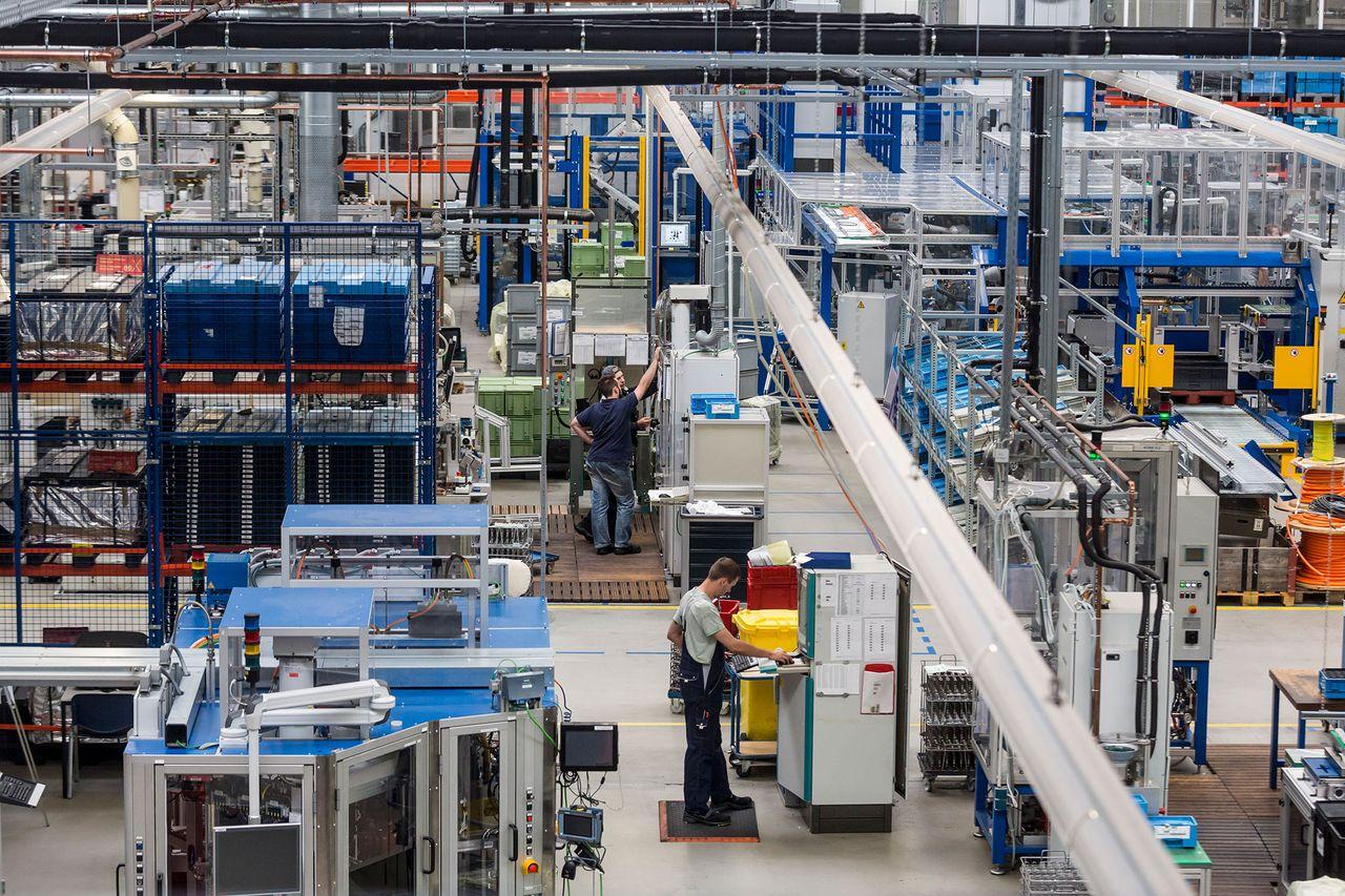 Gefragtes Produkt: thyssenkrupp fertigt in Schönebeck große Mengen an Kugelgewindetrieben
