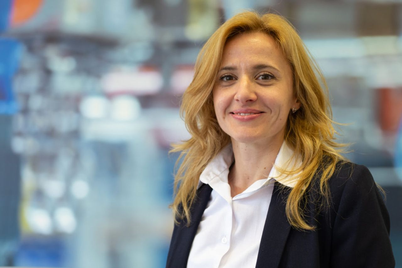 Lebensmitteltechnologin Dr. Jasna Ivanovic erklärt wie das HPP Verfahren funktioniert und welche Vorteile es bietet