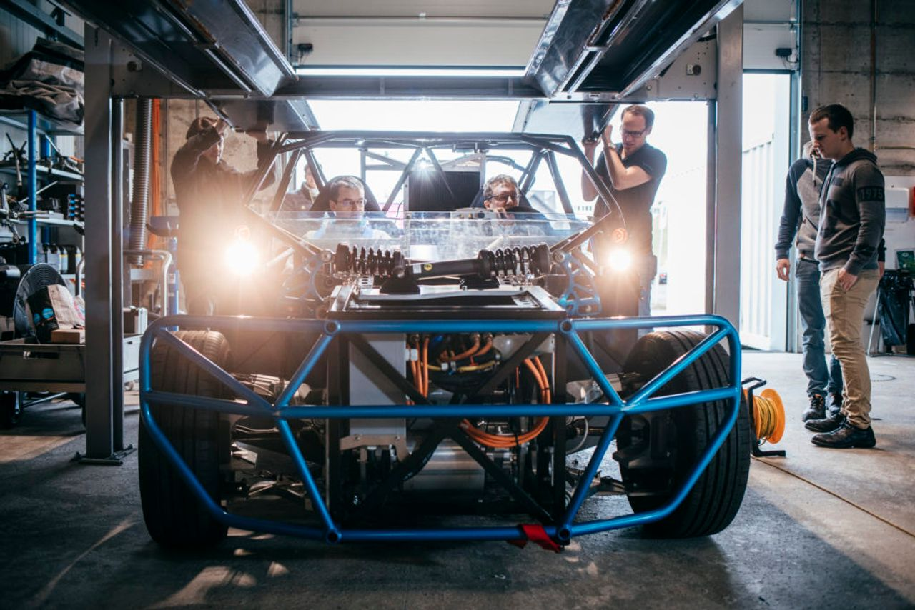 Future-oriented development for the automotive industry with the Modular Research Platform