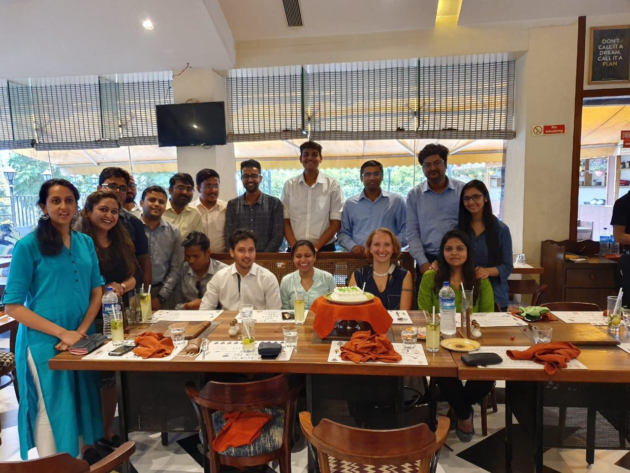 Having dinner together as a team: The intensive teamwork has not only pushed the online metals platform forward, but also deepened the relationship between the various teams.