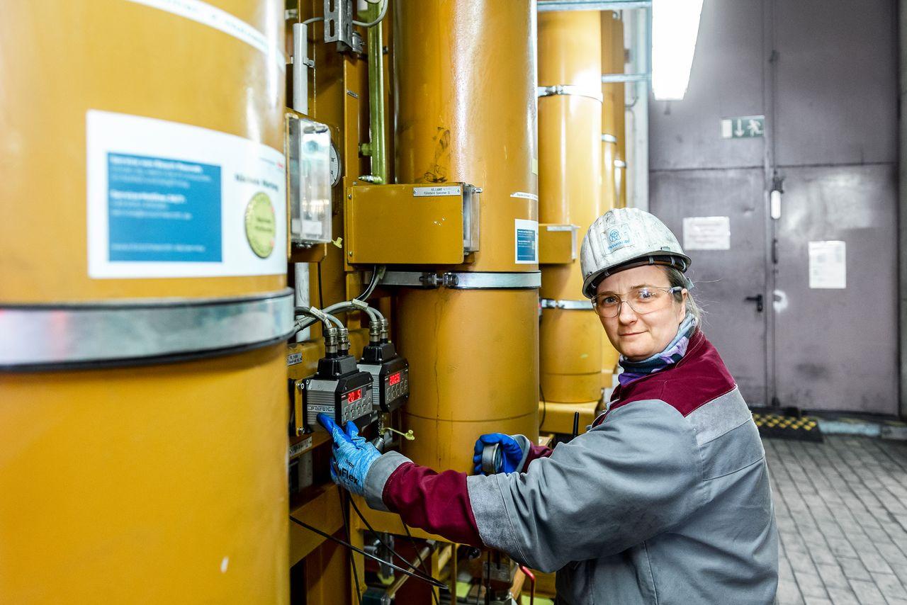 Bei den Stahlkollegen in Duisburg ist klar, der Hochofen muss trotz Corona weiterlaufen