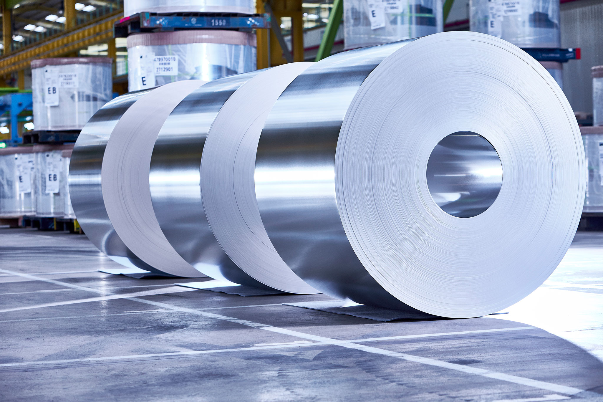 In Andernach, Rhineland-Palatinate, thyssenkrupp produces around 1.5 million tons of packaging steel each year.