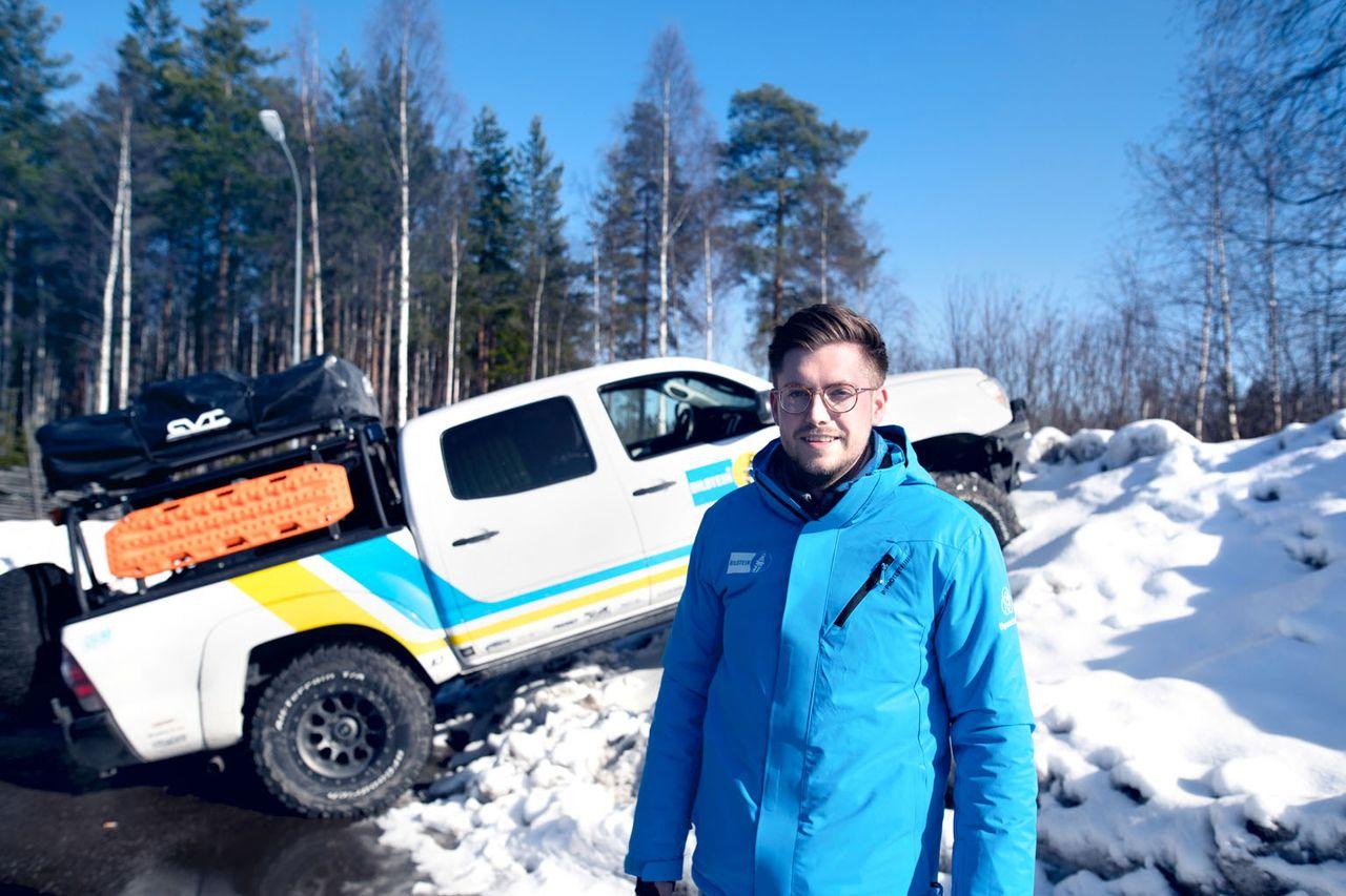 Bei aktuellen und kommenden Automotive-Lösungen immer up to date: Technologie- und Innovationsmanager Julian Beckmann. In Schweden testet er die Komponenten von thyssenkrupp auf Schnee und Eis.