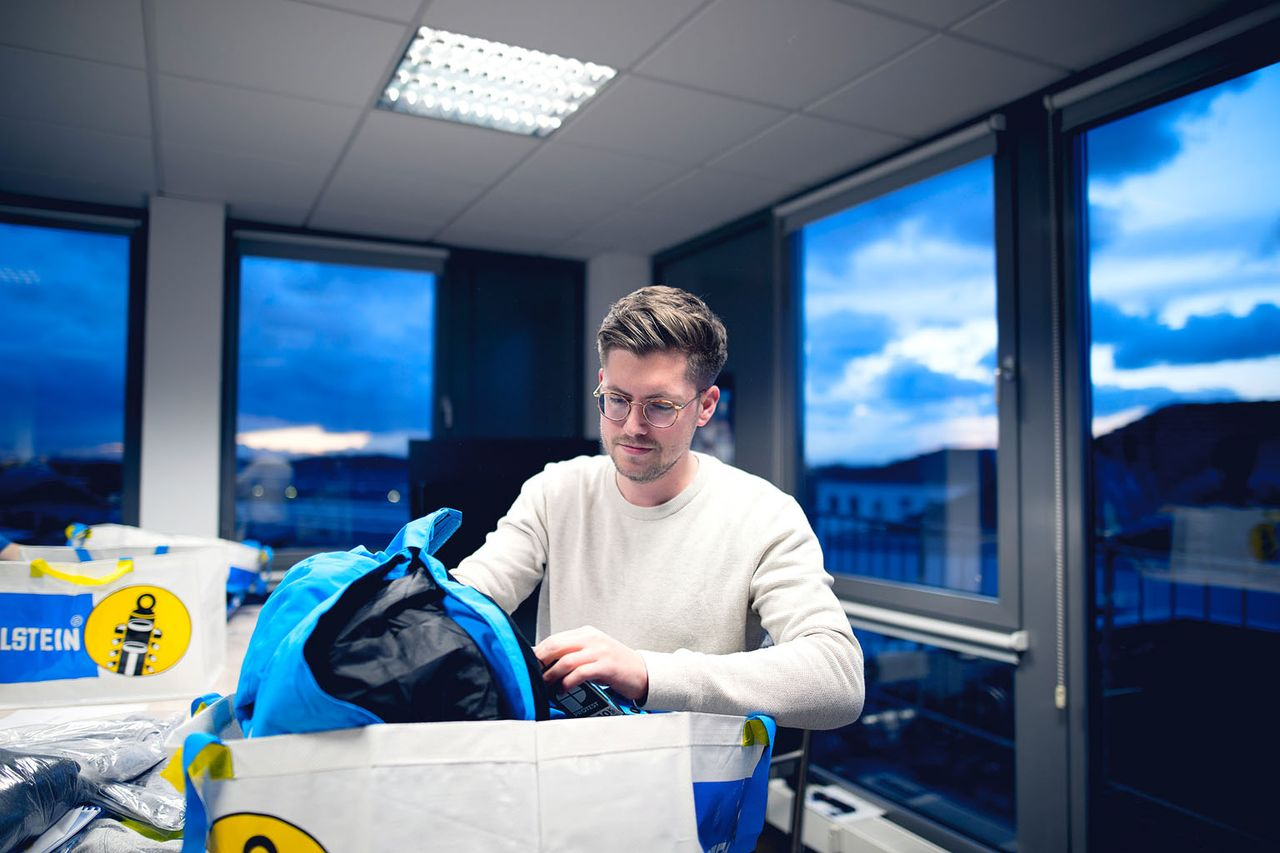 Alles eingepackt? Beim Roadtrip ins schwedische Arvidsjaur ist Julian Beckmann natürlich mit dabei.