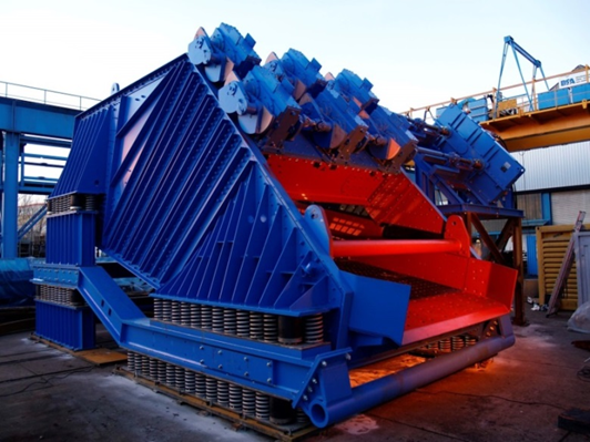 DU Linear vibrating screens by thyssenkrupp