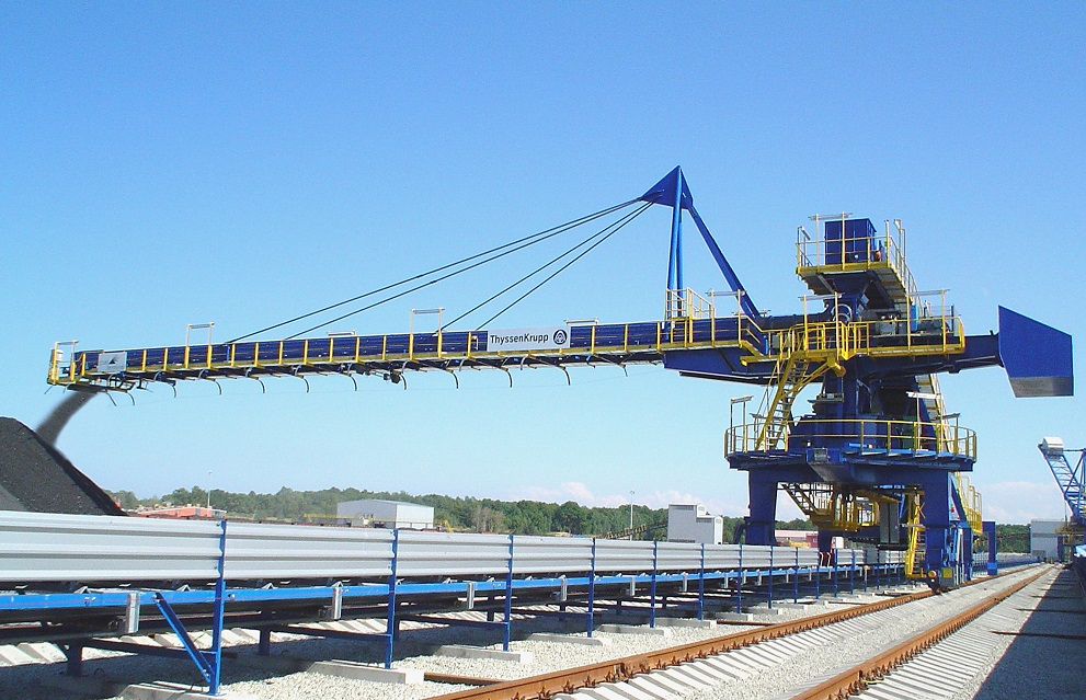 Luffing and slewing stacker I thyssenkrupp