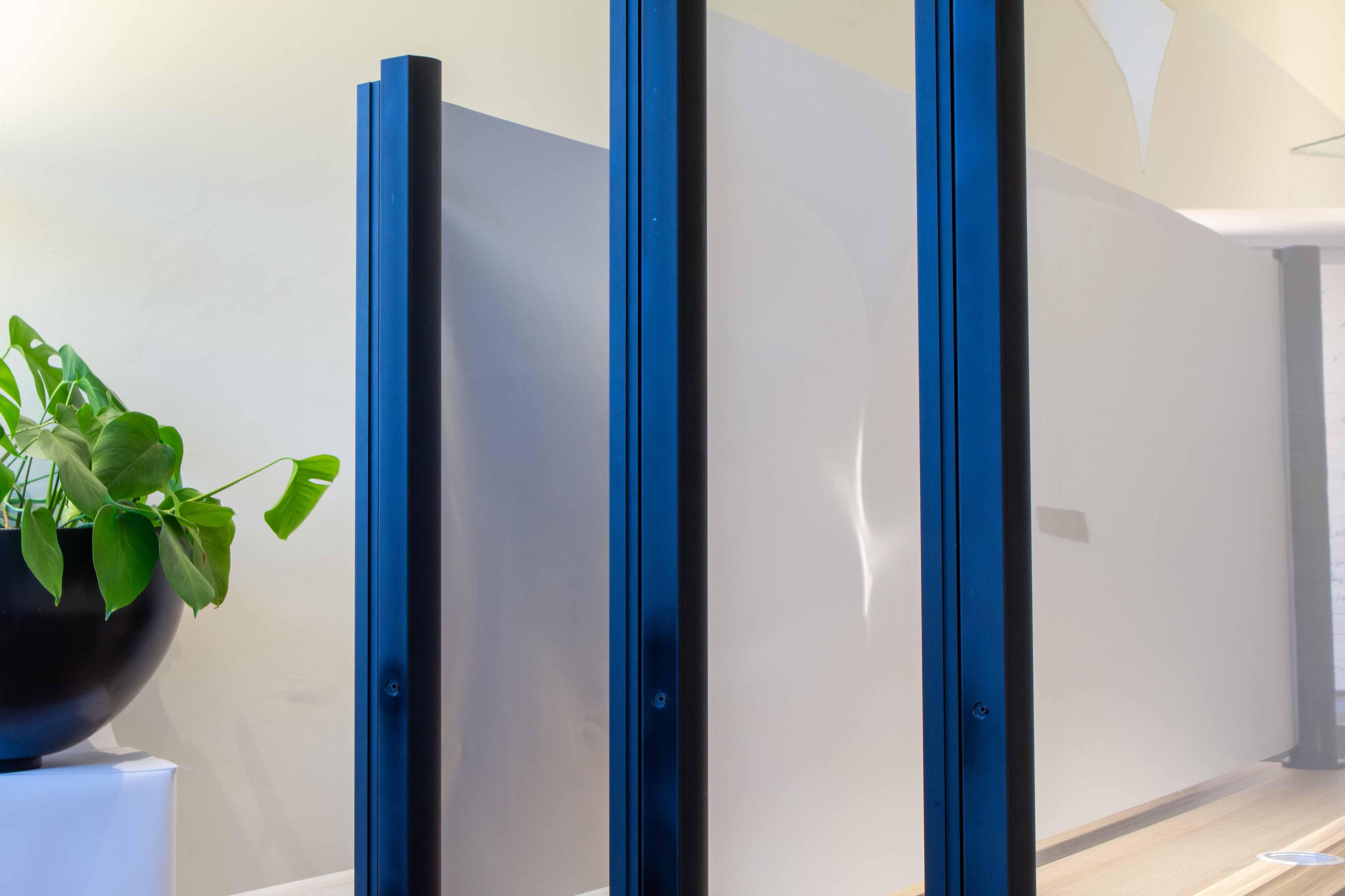 Beschikbare kleuren doek uitrolbare bureauschermen