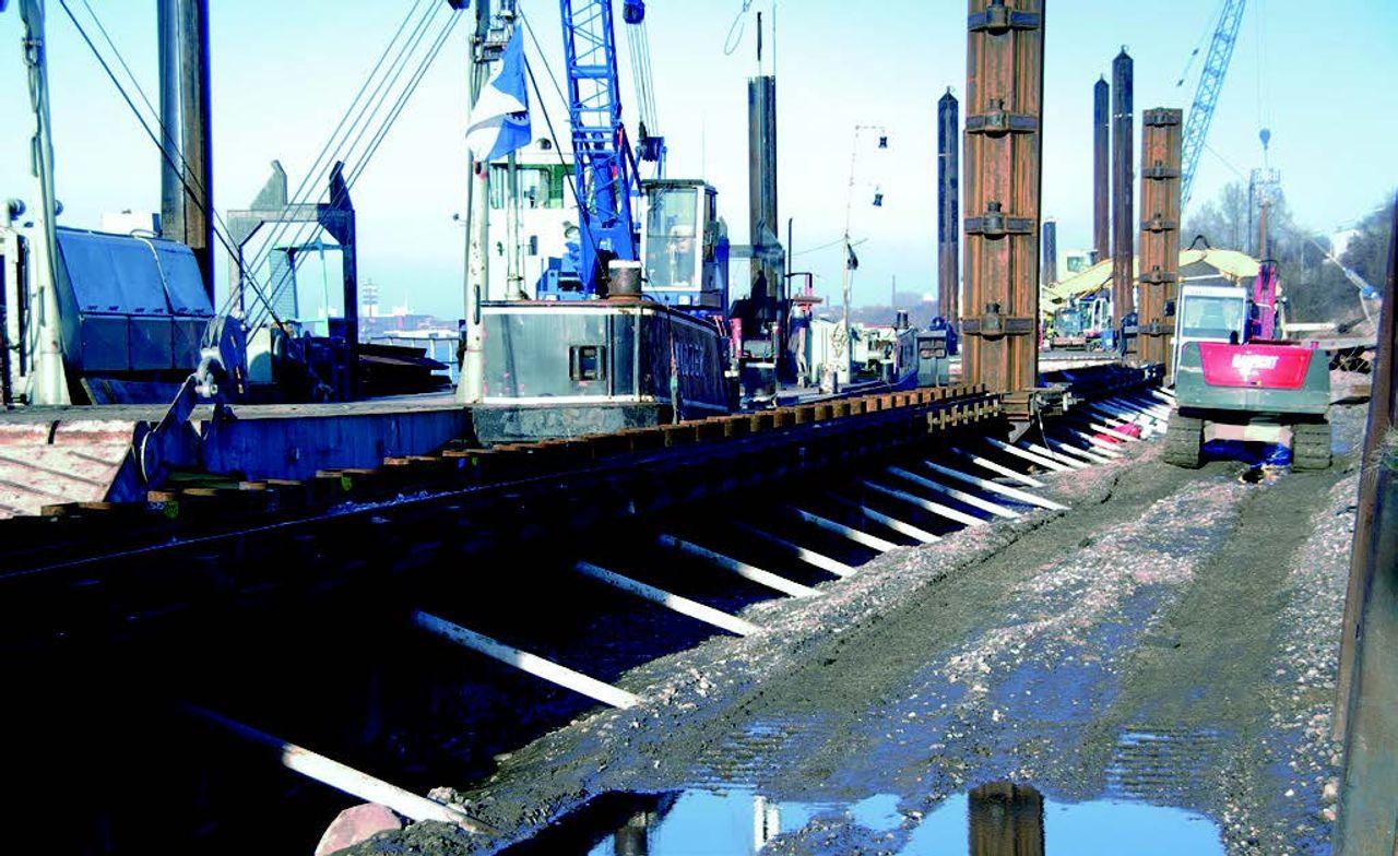 Nouveau soutènement des berges pour le site Logport II du port de Duisbourg