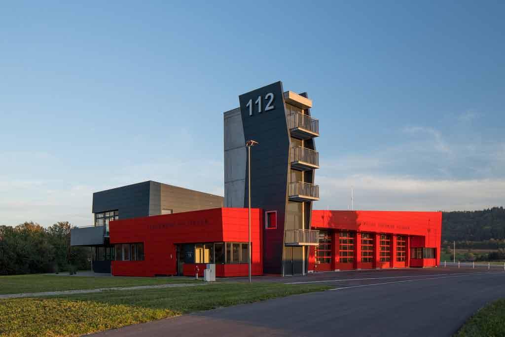 Feuerwehrhaus Hilzingen ALUCOBOND® rot #201 / anthrazitgrau #105 / mausgrau #125