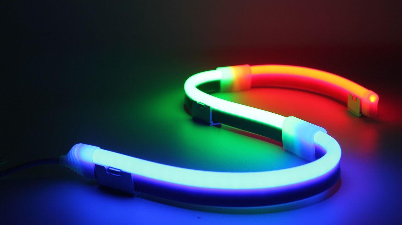 flexibles LED Konturenlicht Lucoflex Side Bend beleuchtet