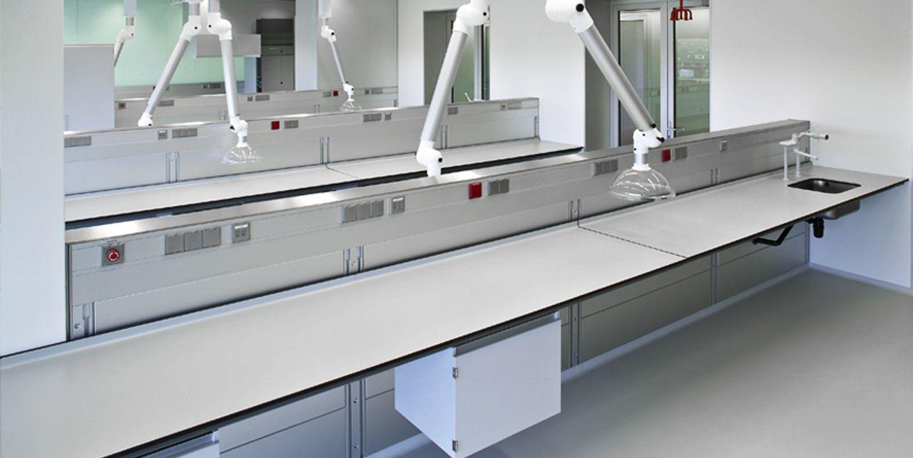Trespa TopLab PLUS für höchste chemische Beständigkeit in Laborumgebungen