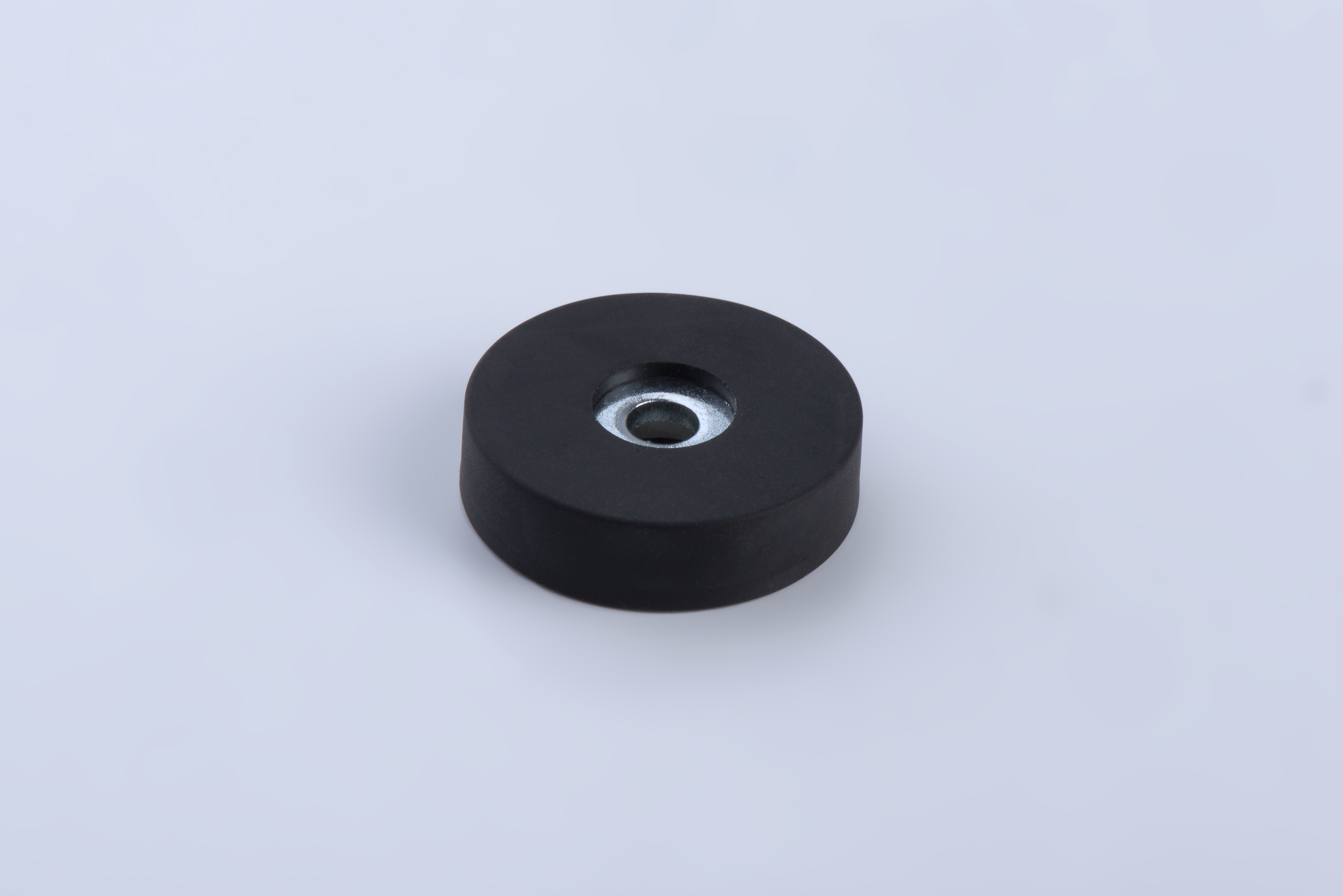 Pot magnet made of Neodym, with cylinder bore, black rubber coated, thyssenkrupp Magnettechnik