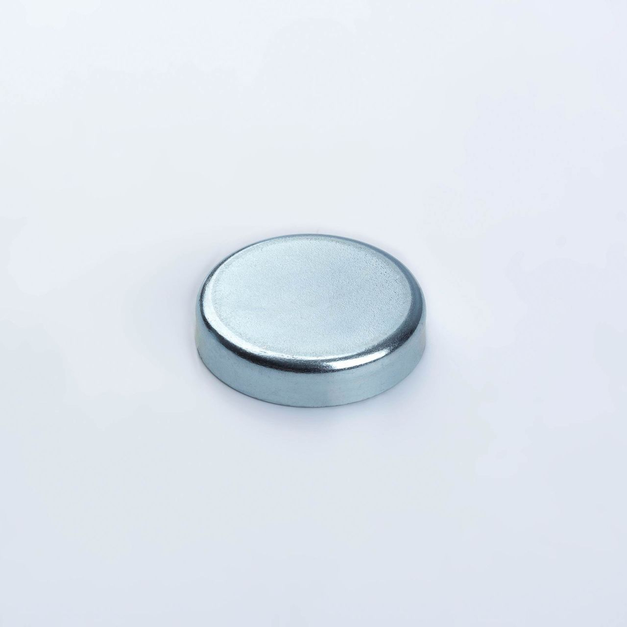 Pot magnet made of hard ferrite, galvanized, thyssenkrupp Magnettechnik
