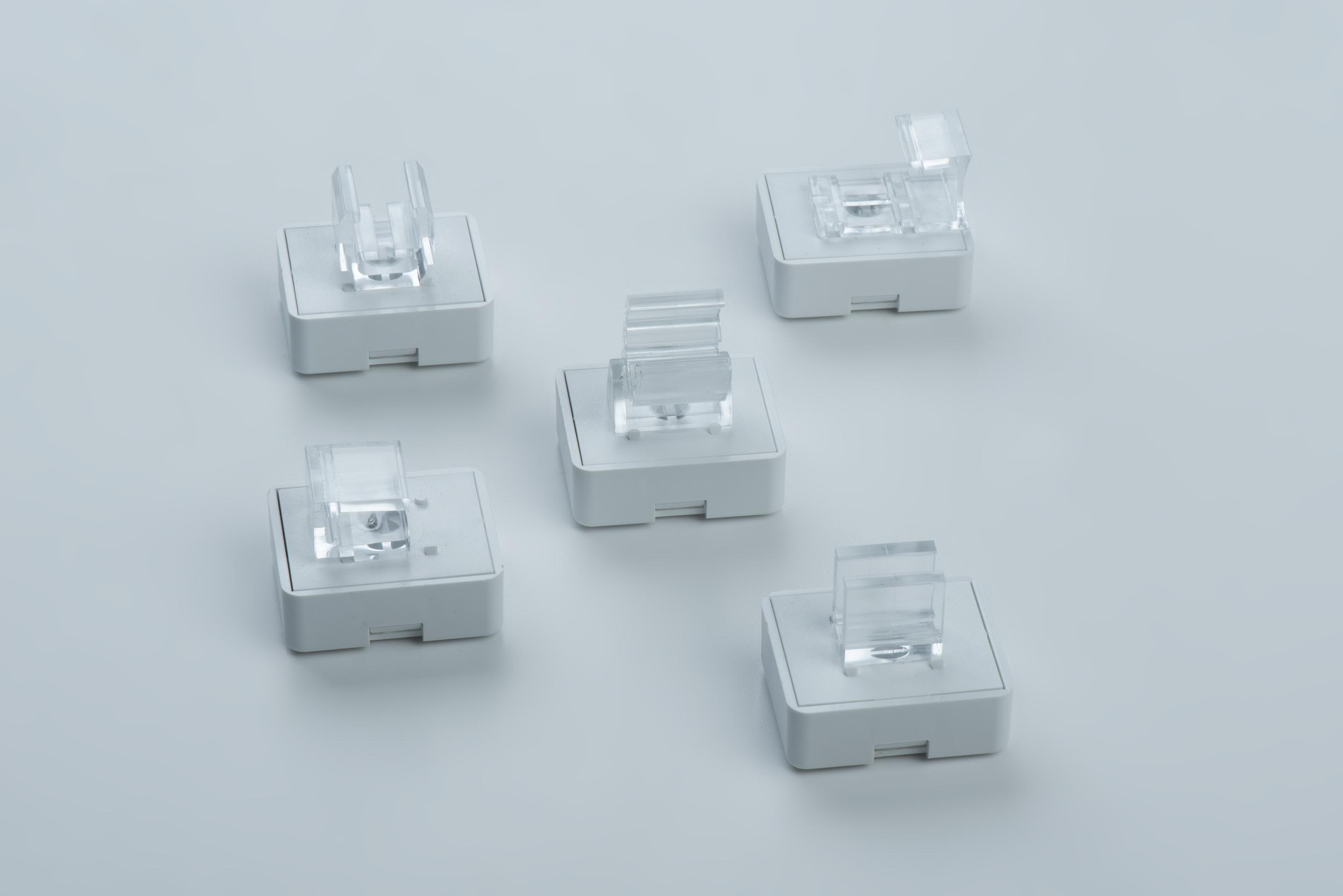 Magnethalterung für Plakatrahmen mit verschiedenen Adaptern, thyssenkrupp Magnettechnik