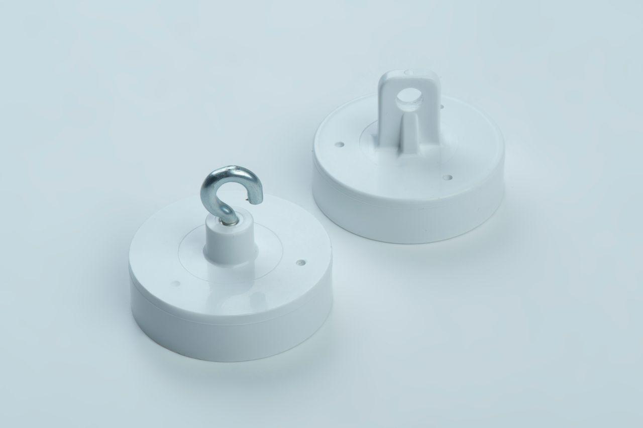 Dekorationsmagnet aus Hartferrit, weißes Kunststoffgehäuse mit Haken oder Öse, thyssenkrupp Magnettechnik