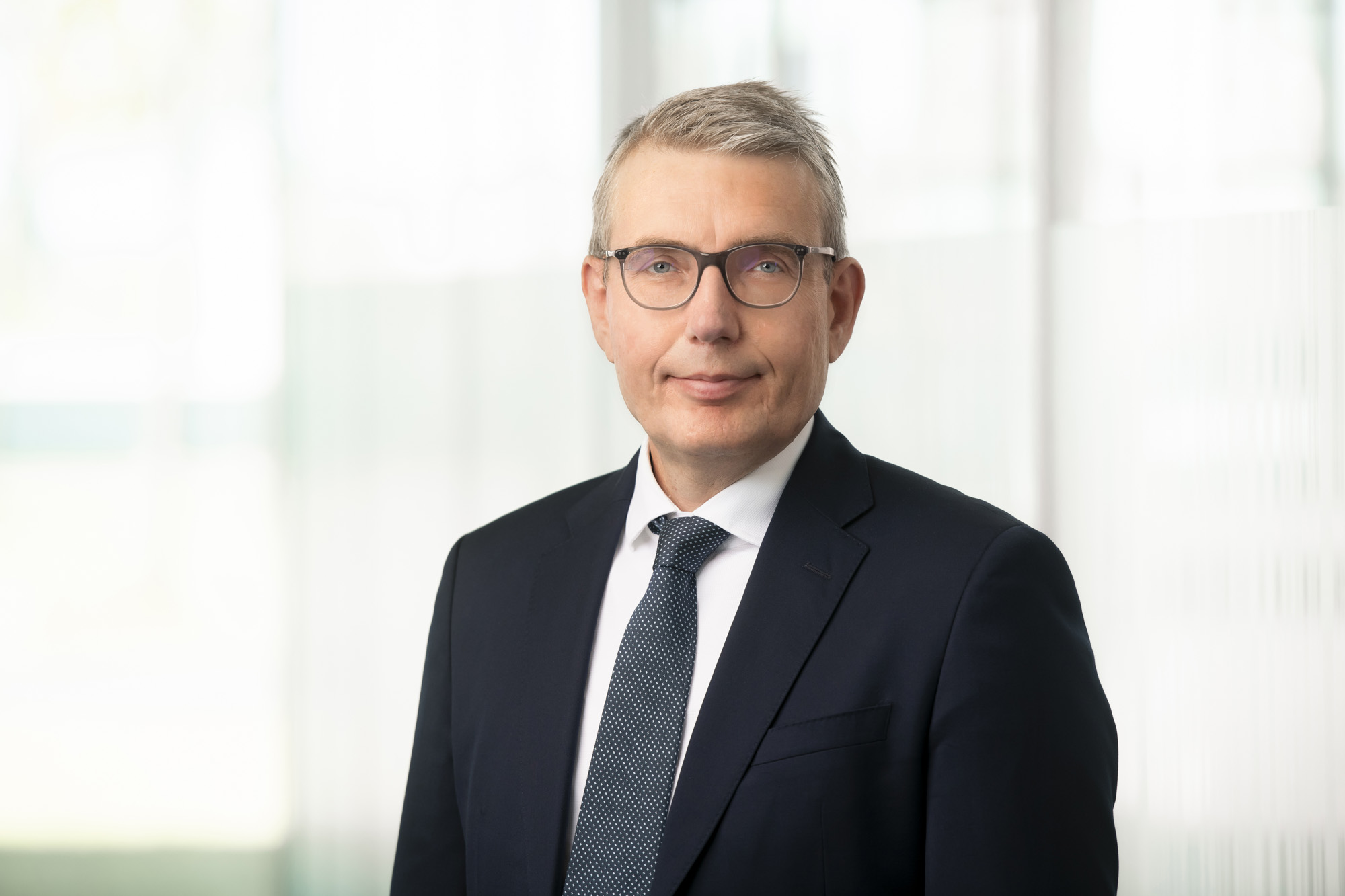 CHRO Dr. Marc Schlette
